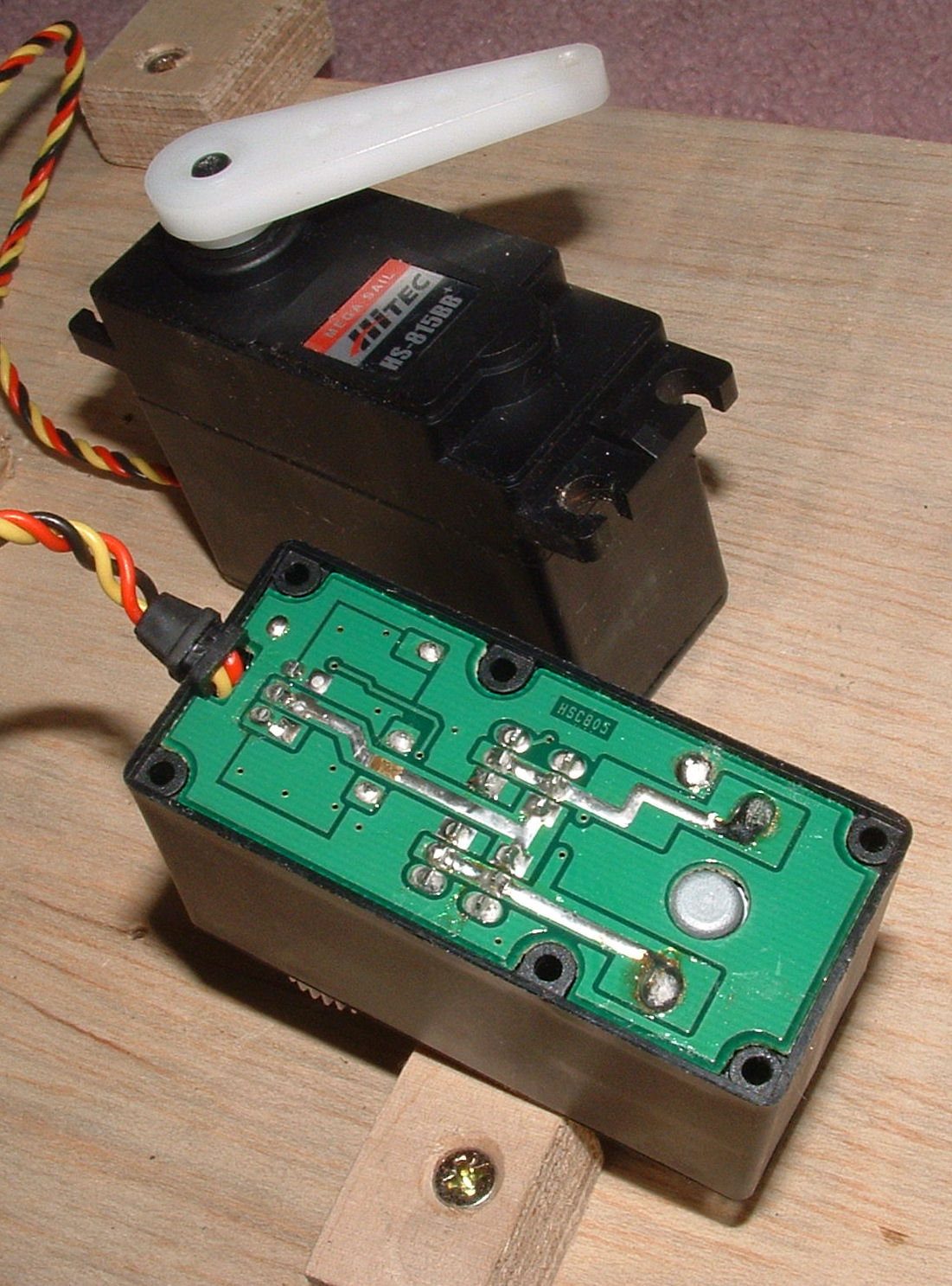 Technical Information On Radio Control Rc Servos Servo Electronics Projects Internal Pcb